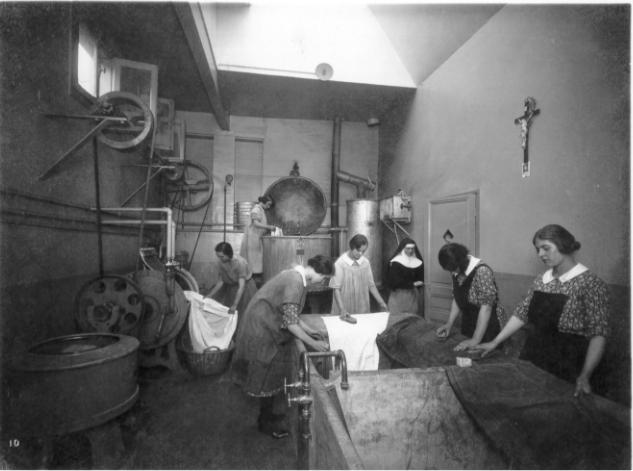 Pensionnat tenu par la Congrégation des soeurs catholique chrétiennes.jpg